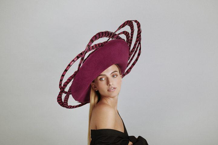 Chapeau couture emblématique