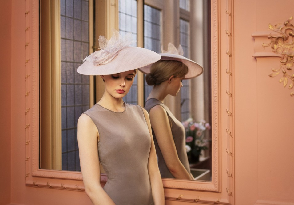 Elegant tonkinese-like couture hat