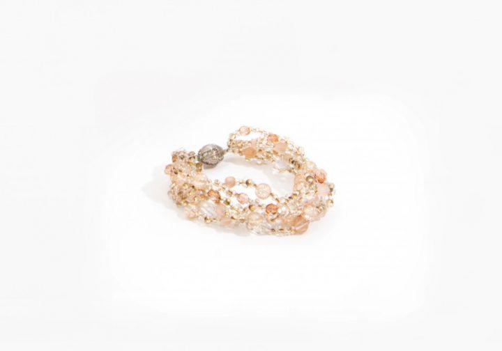 Bracelet en perles de cristal réalisable dans différents coloris