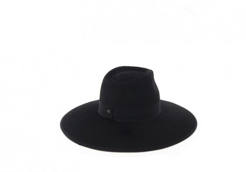 Grand chapeau fedora
