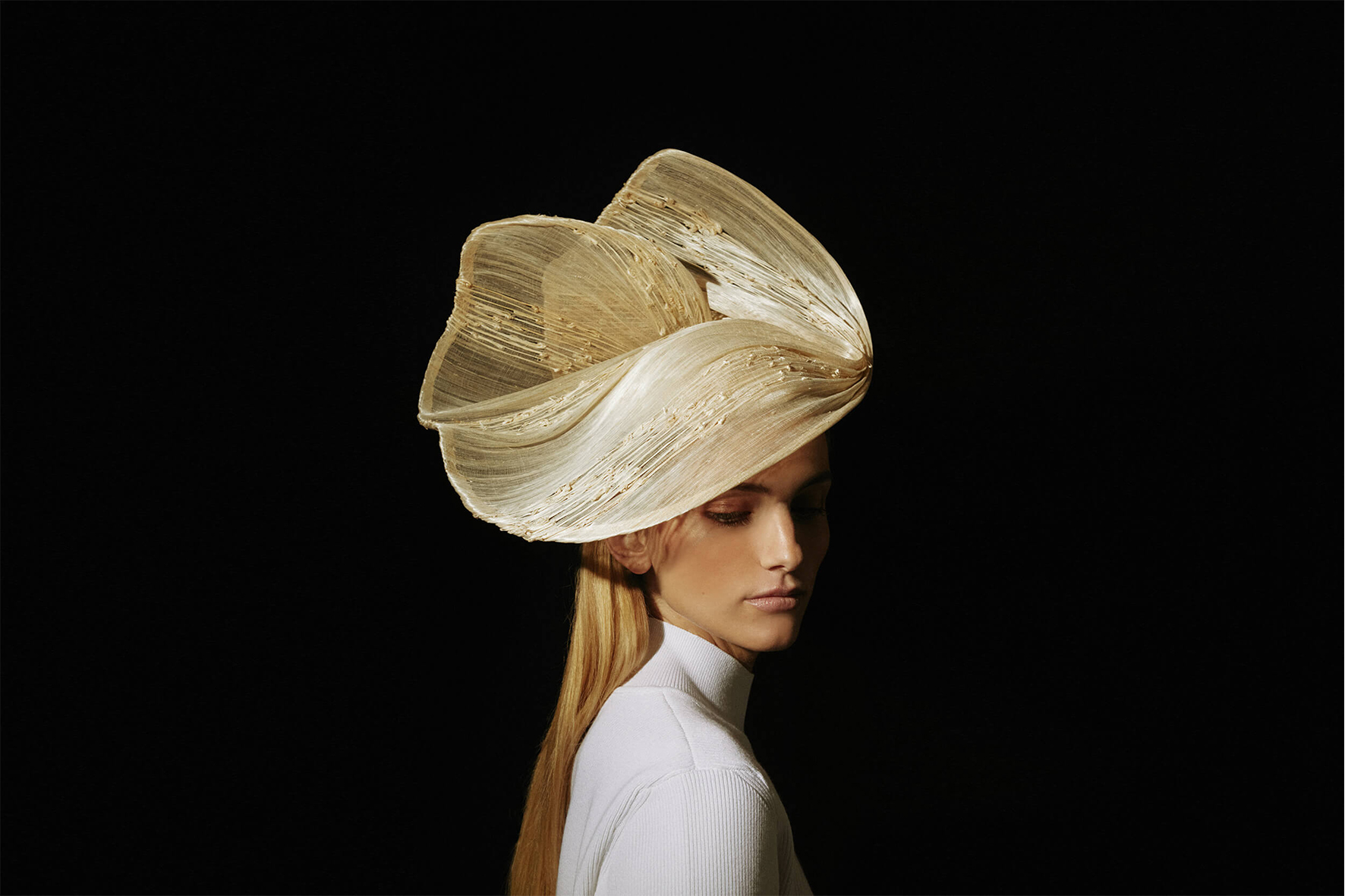 Light and delicate couture hat natural color