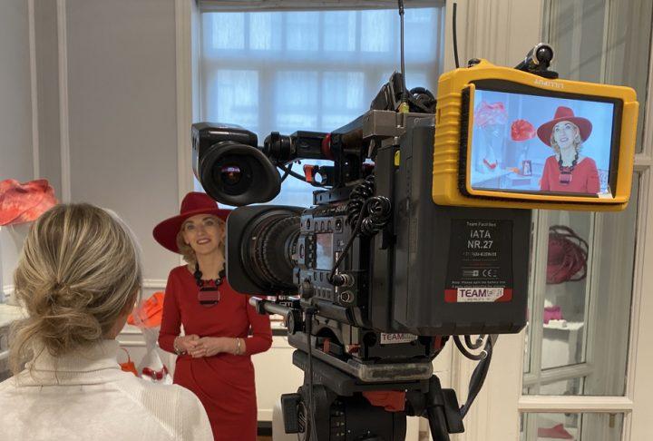 Ontdek het exclusieve interview van de ontwerper met de Nederlandse TV, gespecialiseerd in Blauw Bloed.