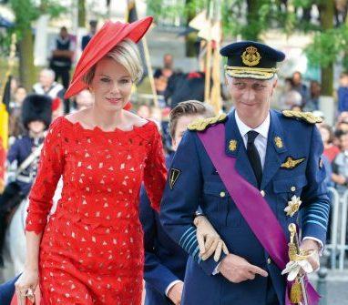 Reine Mathilde et le Roi Philippe- Fête nationale - Chapeau Mystery