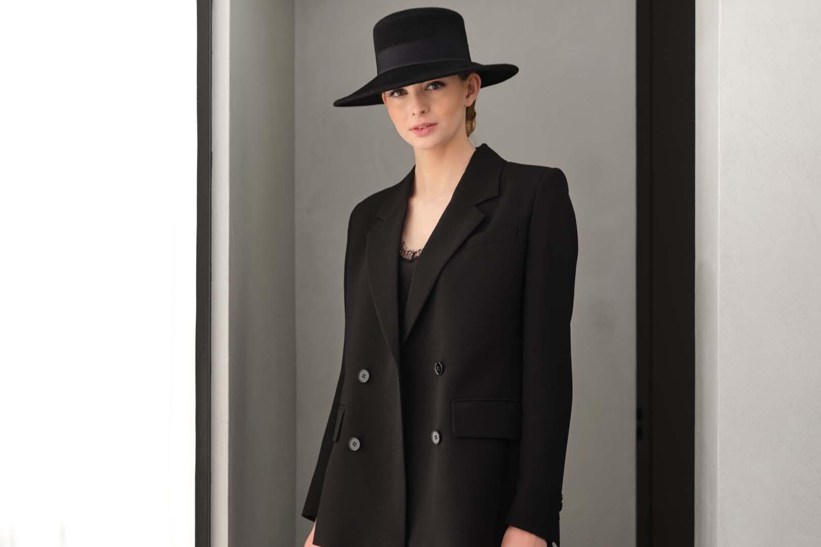 Fabienne Delvigne Boater Hat Marion Velvet Felt Black